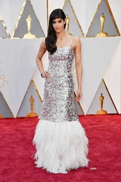 Sofia Boutella in Chanel @ 2017 Academy Awards: