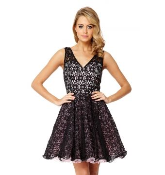 Steal the night in this gorgeous party perfect prom dress.