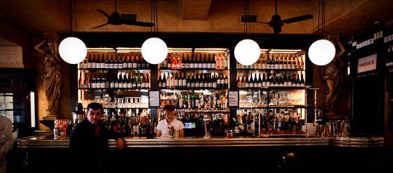Int rieur bar le valois paris bar huitres 75008 for L interieur movie