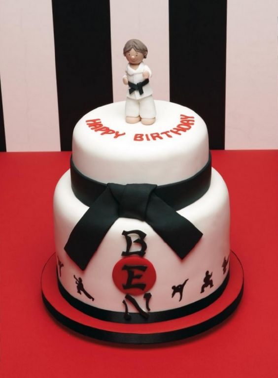 Yes, this cake says Ben.  No, I didn't make it.  I like the black belt as a border.: