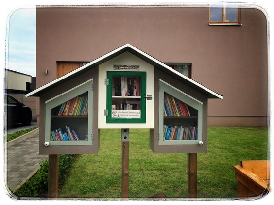 Little Free Library Sint-Amandsberg