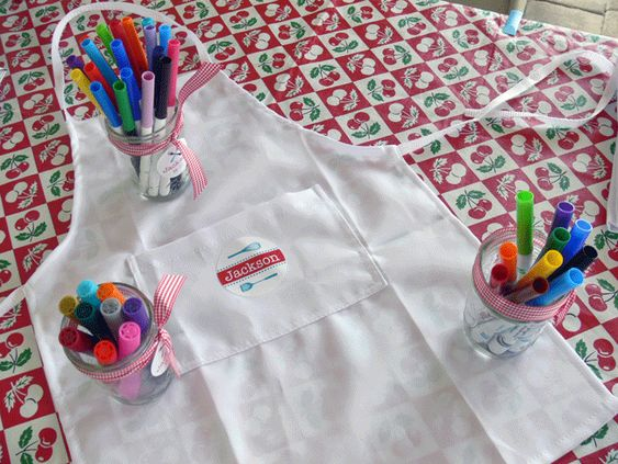 Cooking party activity - decorate aprons