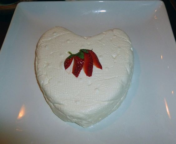 Coeur de la Crème with Strawberry-Raspberry Sauce | Recipes To Try ...