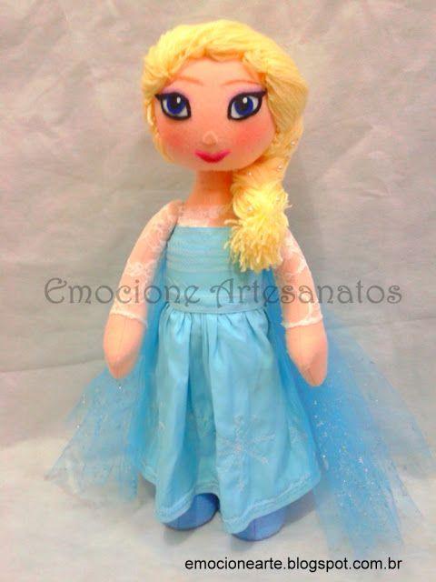 Boneca de pano inspirada em Elsa Frozem