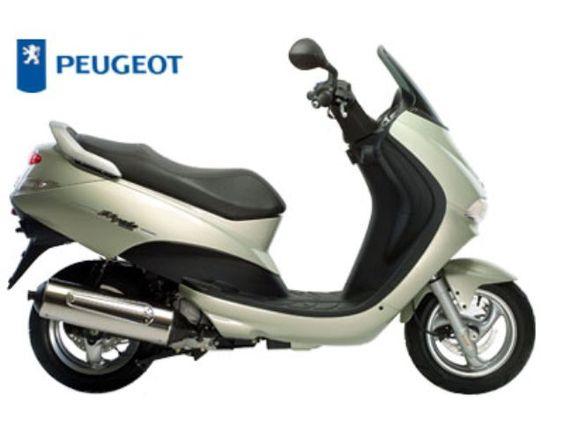 Peugeot Elyseo 50cc blue - La primera moto de mi hermana y mía