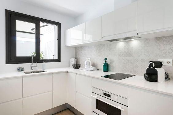 Échale un vistazo a este increíble alojamiento de Airbnb: DESTINO SITGES  -  CASA MILA - Apartamentos en alquiler en Sitges