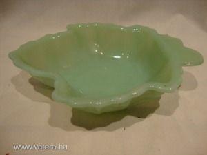 Zöld üveg levél kínáló tál
