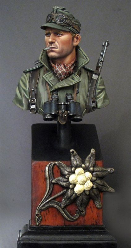 http://www.planetfigure.com/useralbums/busts.326/view