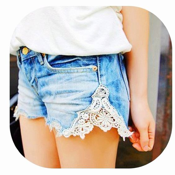 DIY lace shorts. Cute. I'm doing this with an old pair of jeans this weekend :)