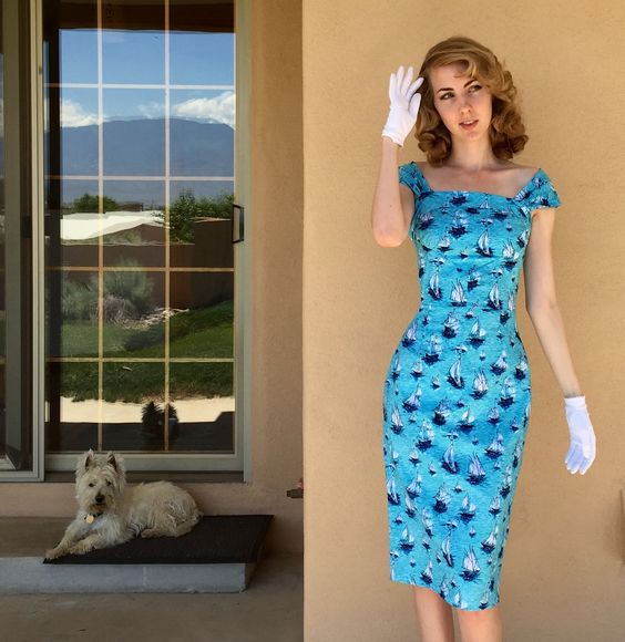Sewing patterns can also be there to inspire, guide and help in troublesome areas. Here is the retro collection Butterick 5708 turned into a wiggle dress with the bow straps sewn to look like sleeves