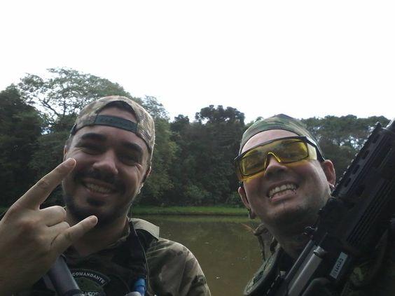 Feriado de sol em Viamão depois de só uma nuvem de chuva! :) baita jogo com @maragatos_airsoft_team #airsoft #jogolimpo #honra #airsoftgun #esportedehonra #guns #amigos by rafapiercerpoa