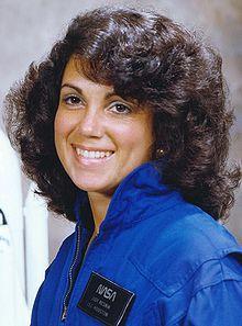 Judith Resnik Arlene era un ingeniero estadounidense y un astronauta de la NASA, que murió en la destrucción del transbordador espacial Challenger durante el lanzamiento de la misión STS-51-L.