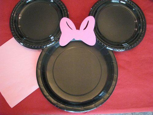 minnie mouse con platos fiestas infantiles