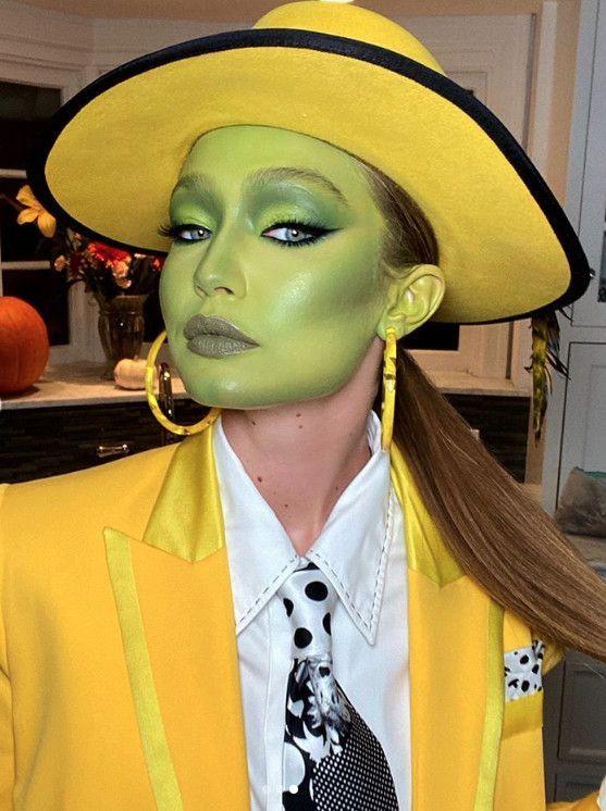 The Best Celebrity Halloween Costumes Of 2020 Best Celebrity Halloween Costumes 2019 #Celebrity #Celebrity