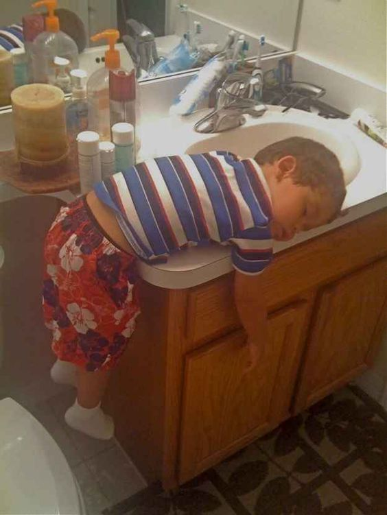 This kid who had a rough one. | 28 People Who Lost Their Battle Against Sleep