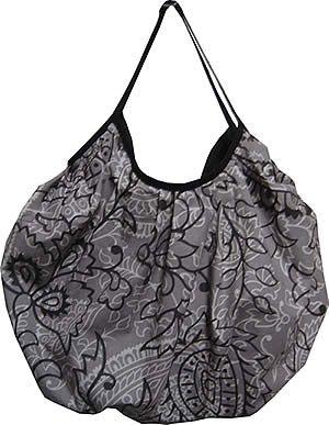 Un grand sac boule  et surtout un très bon tuto de la poche intérieure zippée !