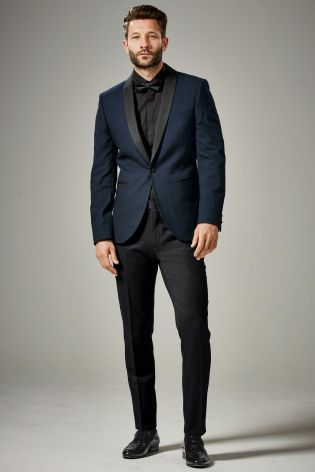 look dapper in this Blue Textured Slim Fit Suit, the perfect party