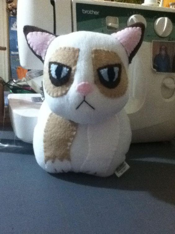 Grumpy Cat Plushie by ~Saint-Angel on deviantART: Inspiration, Dolls Stuffies, Crafty Things, Cc 55, Crafty Cats, Deviantart Grumpy, Grumpy Cat, Diy Projects