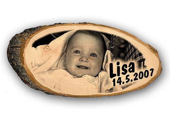 Holzschild mit Babybild, Name und Geburtsdatum als Geschenk zur Geburt - Hausnummern, Türschilder, Firmenschilder, Straßenschilder, Parkplatzschilder und Kenzeichenhalter günstig im Schildershop24 kaufen