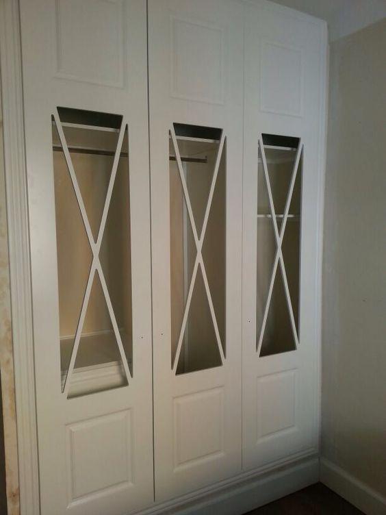 Frente de armario abatible lacado en blanco con vidriera de aspas y cristal transparente - Armarios con puertas de cristal ...