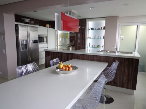 Projeto de uma cozinha. E depois de montada