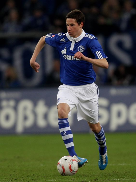 ~ Julian Draxler of Schalke 04 has been linked with a move to Borussia Dortmund or even Chelsea FC ~