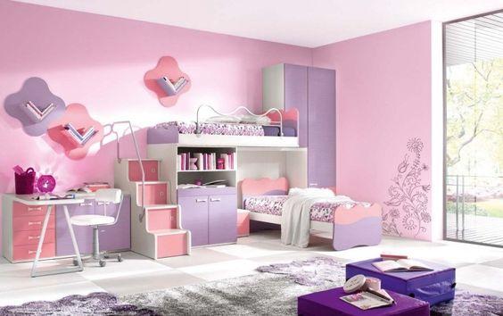peinture rose pastel, mobilier design en lavande et sol en parquet contrecollé