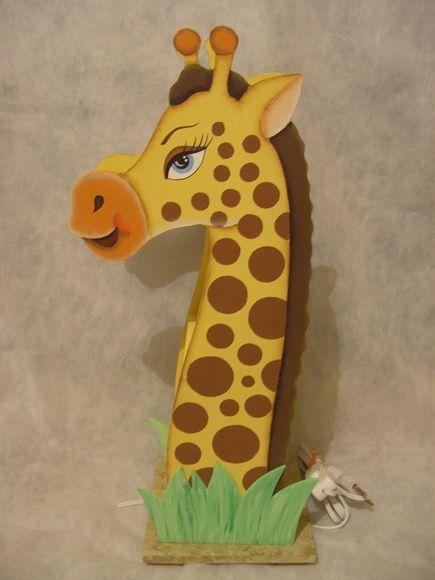 Luminária de girafa, feito em mdf, pintado à mão R$ 100,00