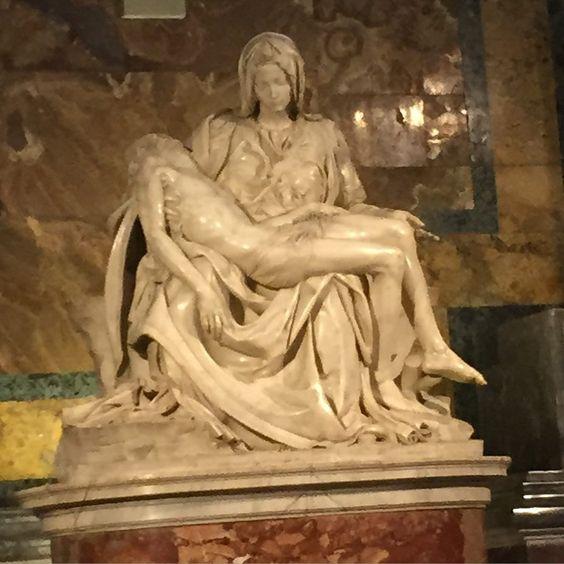 Michelangelos La Pieta från 1499! #peterskyrkan #vatican #peterschurch #lapieta #michelangelo by mammasnyakille