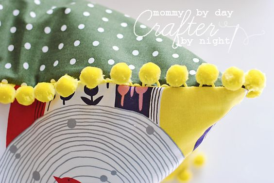 Mommy by day Crafter by night: Easy Pom-Pom Pillow Tutorial