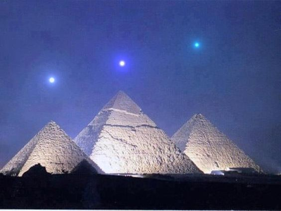 Planetary alignment that will take place Dec 3, 2012 is dead-on alignment with the Pyramids at Giza. Night Sky in Giza, Egypt on December 3 2012, local time...