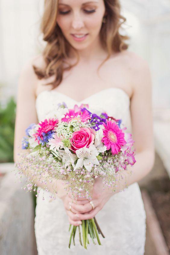 اجمل تصاميم مسكات ورد للعروس باللون الوردي حصري 2018 f8d70e81d77675990d9b