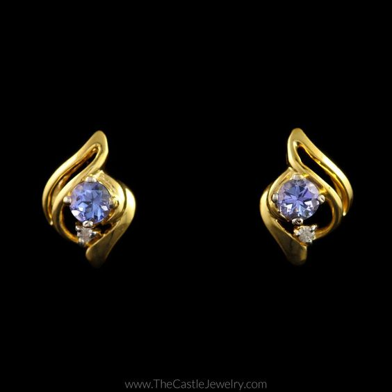 Round Tanzanite Earrings with Fancy Gold Mounting in 14K Yellow Gold