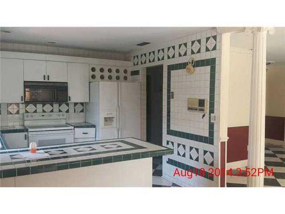 10440 SW 127 AV, Miami, FL 33186 is Foreclosure   House Value Store