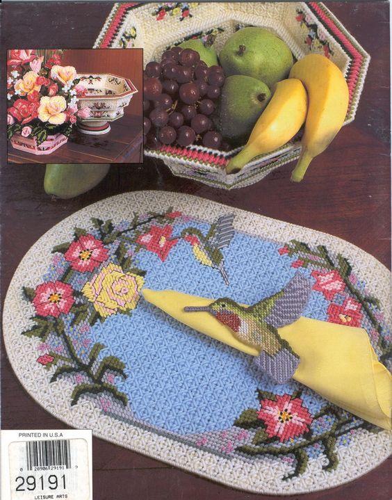 Hummingbird Table Decor 16/16 bc