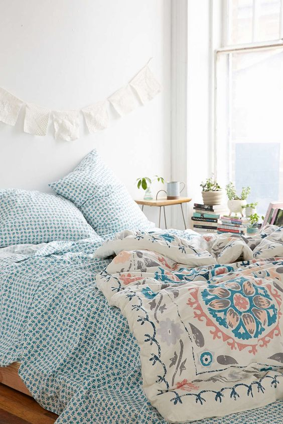 urban outfitters bed covers and boho on pinterest. Black Bedroom Furniture Sets. Home Design Ideas