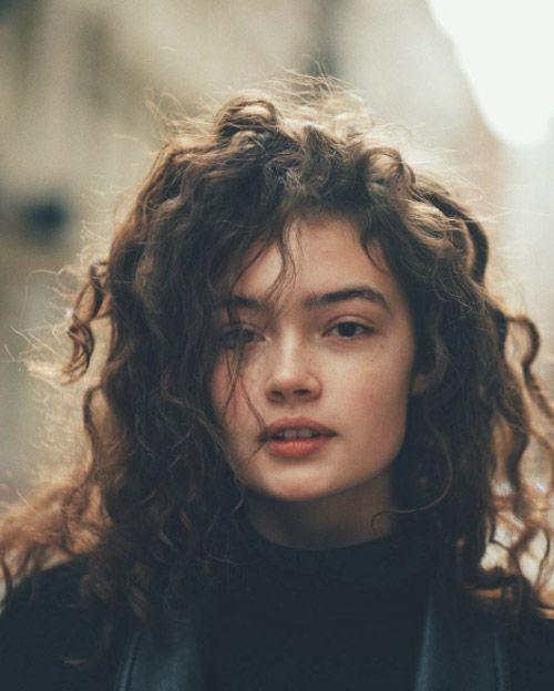Effortless curls by Sasha Kichigina