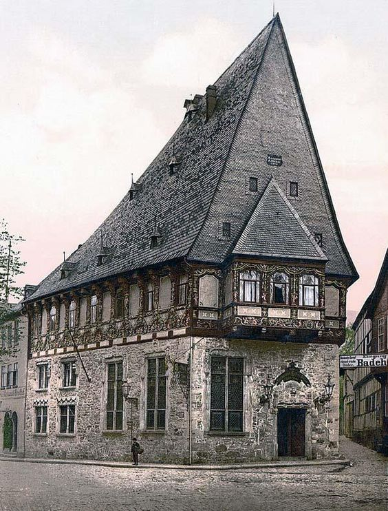 The Brusttuch, a Patrician House in Goslar, Germany built in 1527. Today a hotel and restaurant with the flair of the Middle Ages.