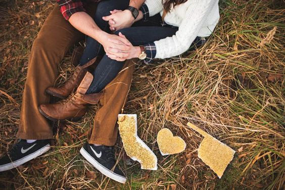 engagement photos http://trendybride.net/cozy-hot-chocolate-and-plaid-engagement-photos/