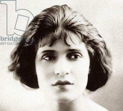 Tina Modotti in Hollywood, 1920 (b/w photo)