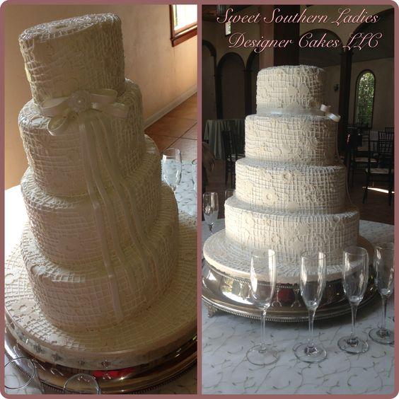 Elegant vintage  lace bridal wedding cake