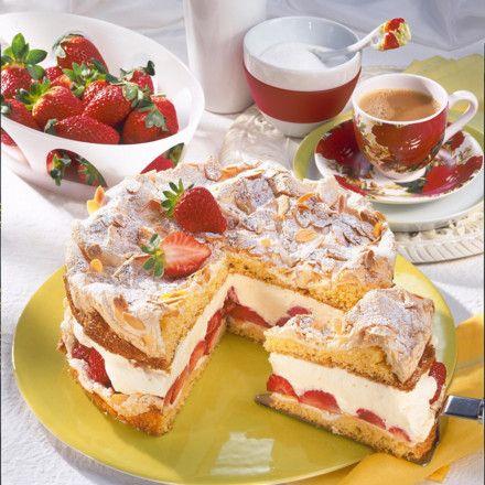 Mandel-Baiser-Torte mit Erdbeeren Rezept