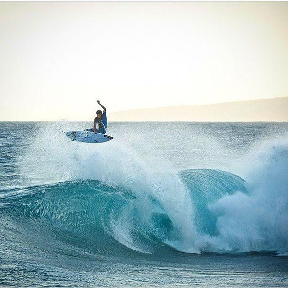 Albee Layer • Hawaii #xcelinfiniticomp photo: @bolayer / @takeshelterprod
