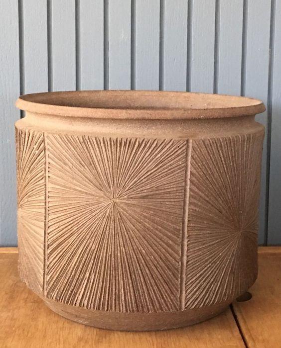 12 x 14 575 pretty good deal Big Vtg Ceramic EARTHGENDER Robert Maxwell David Cressey Pot Mcm