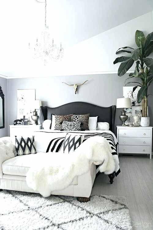 10 Stunning Black And White Bedroom Decorating Ideas Kamar Tidur Warna Putih Perabot Kamar Tidur Dekor Kamar Tidur Bedroom decor ideas white