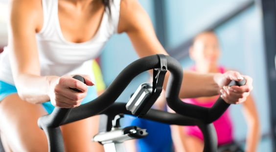 Neste artigo, vamos explicar o que é e como funciona o metabolismo, além de te ajudar a aprender como acelerar seu metabolismo para perder peso.