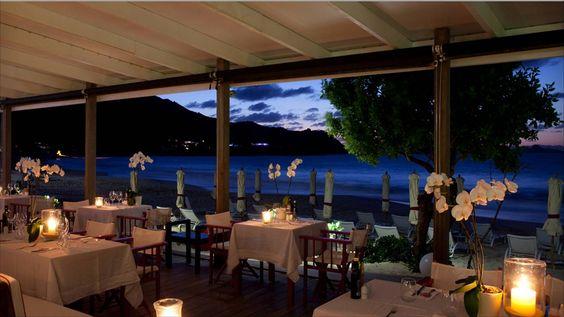 St. Barth é ideal para casamentos pequenos, cheios de detalhes exclusivos e requinte. Entre os hotéis ideais para as cerimônias estão: Taiwana e Cheval Blanc St-Barth Isle De France