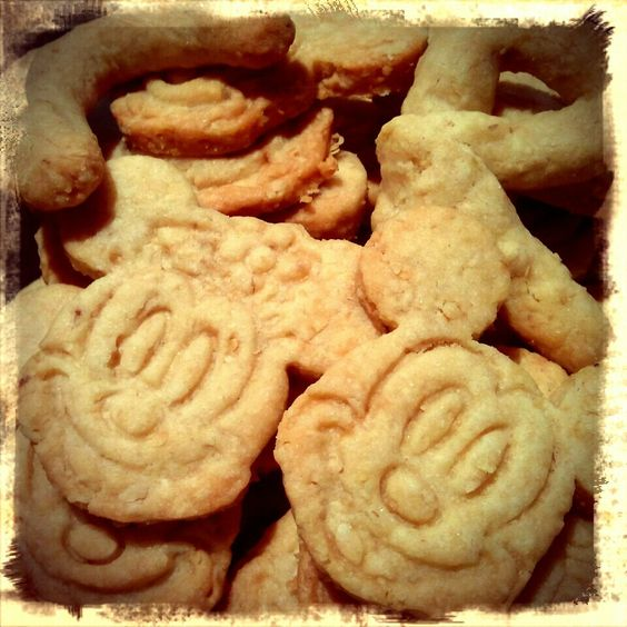 Mickey and minnie cookies