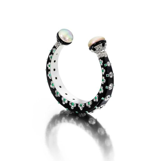 Siegelson Art Deco diamond, natural pearl, emerald, black lacquer and onyx bangle by Cartier