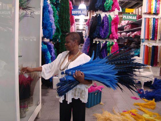PINAH, A PASSISTA MAIS FAMOSA DO MUNDO - DEPOIS DE SAMBAR COM O PRÍNCIPE CHARLES,ELA CRIOU O SEU PRÓPRIO PALÁCIO: http://champanhecomtorresmo.blogspot.com.br/2013/02/pinah-passista-mais-famosa-do-brasil.html